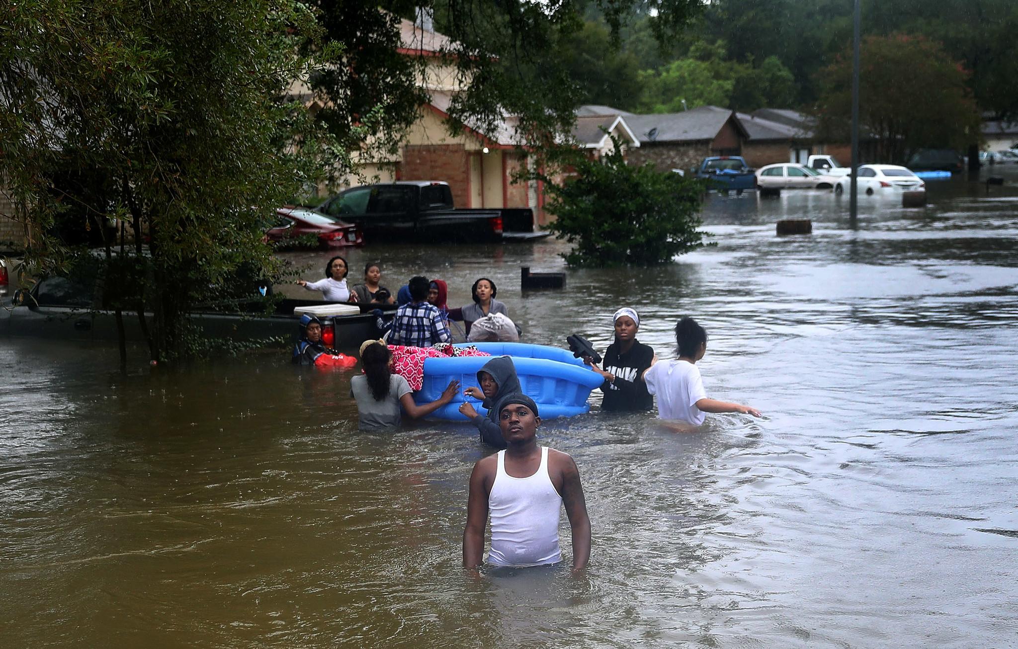 la-na-hurricane-harvey-pictures-20170825-132